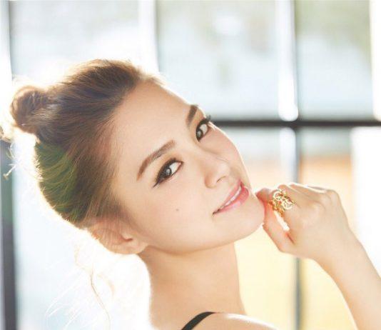 Sắp 40 nhưng Chung Hân Đồng vẫn giữ được dáng trẻ đẹp như gái đôi mươi, và đây là bí quyết 3