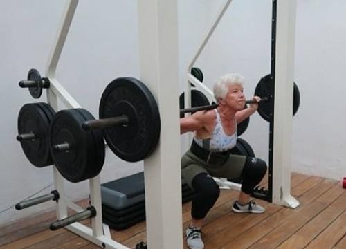 ba-cu-73-tuoi-tap-gym-giam-25-kg-c83