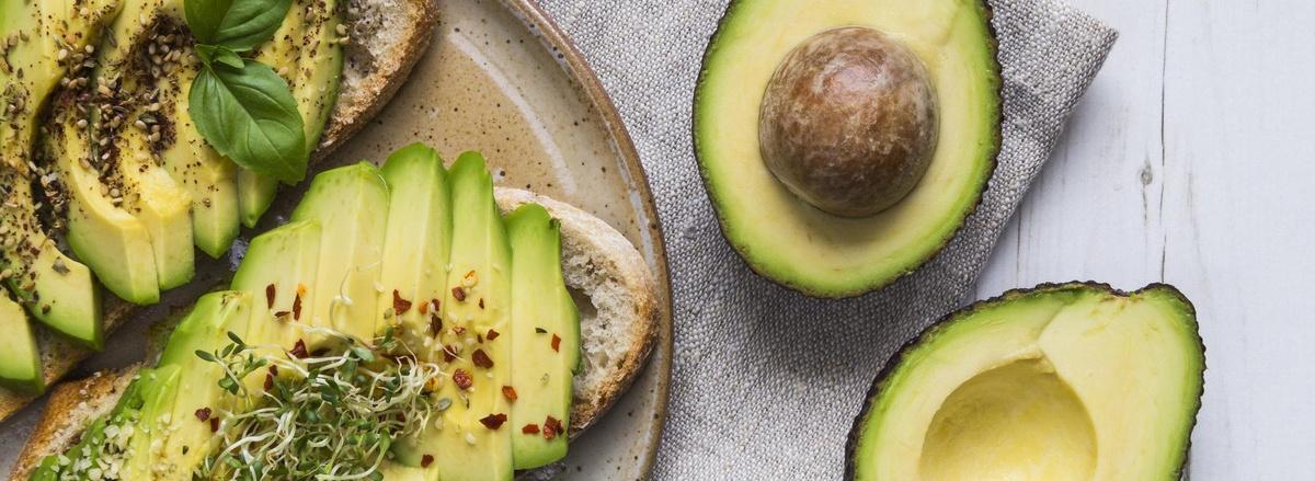 Cùng Thể Hình Chanel tìm hiểu ngay 15 thực phẩm tăng cân nhanh nhất dành riêng cho người gầy khó hấp thu bổ sung vào chế độ ăn tăng cân