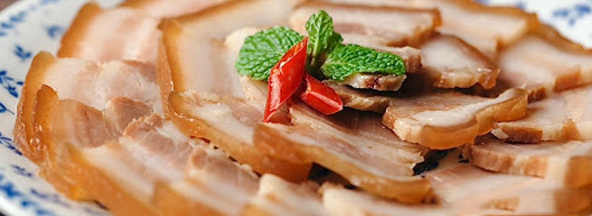 Tết đến xuân về người người nhà nhà. các món đặc sản tại các vùng miền. Các món ăn ngày Tết rất hấp dẫn, nhưng đây cũng là nỗi lo bị tăng cân của rất nhiều...