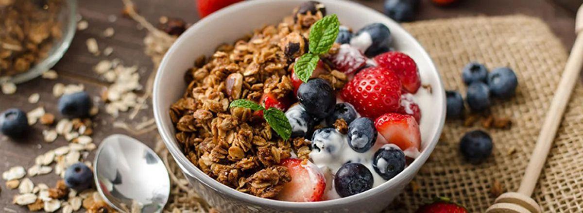 Việc ăn yến mạch giúp giảm cân hiệu quả. Ăn yến mạch như thế nào thì họp lý, tốt cho sức khỏe? Nội dung bìa viết dưới đây sẽ giúp bạn trả lời câu hỏi này.