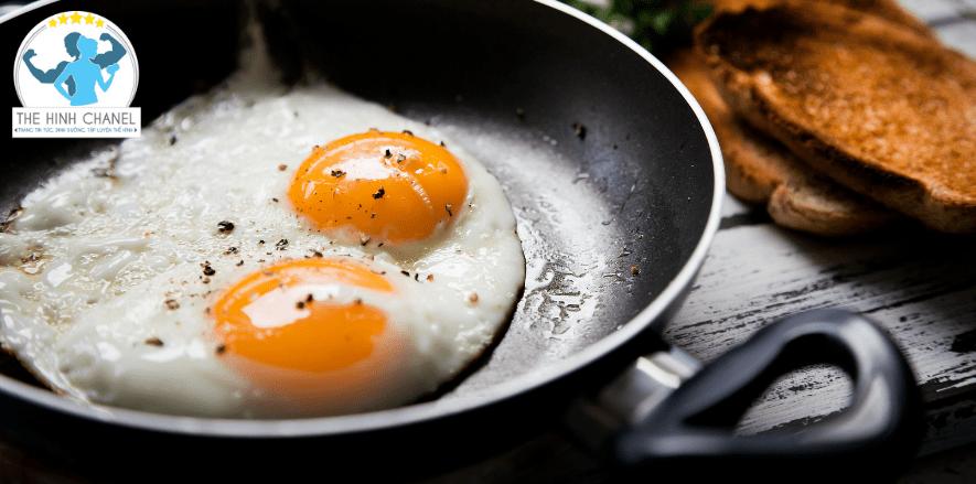 Bổ sung đúng cách nguồn dinh dưỡng từ trứng gà cho người tập thể hình đảm bảo nguồn protein giúp phát triển cơ bắp, bổ sung đầy đủ dinh dưỡng cho cơ thể....