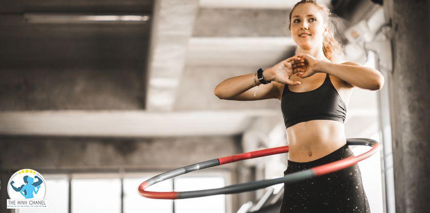 Để có vòng eo con kiến, bạn cần có chế độ sinh hoạt hợp lý, lắc vòng liên tục vài phút mỗi ngày là hình thức tập luyện đơn giản vùa giúp cơ thể thư giãn đồng...